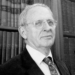 Bill Gaskarth received EFG Medal of Merit